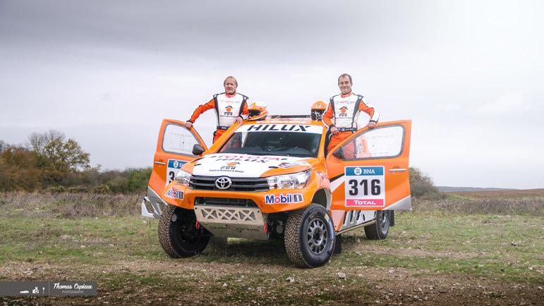 Toyota Toys-motors Hilux dakar 2015 – Ronan chabot